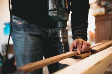 Woodworking learning equipment